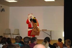 L'arrivée du Père Noël et son ami Titi