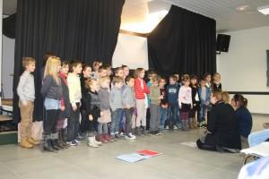 Les enfants de l'école de Lardier nous ont fait une belle interprétation des plus grands succès de  Nino Ferrer, sous la Direction de Caroline et Aurélie.
